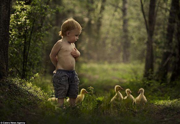 madre-fotografia-hijos-con-animales