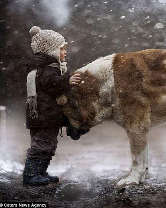 madre-fotos-amistad-hijos-y-animales