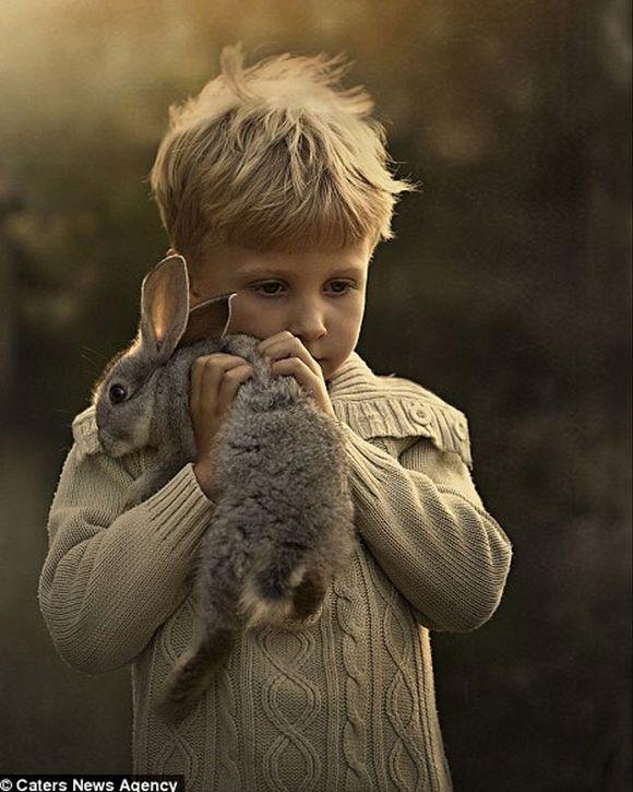 madre-hace-fotos-a-sus-hijos-con-animales